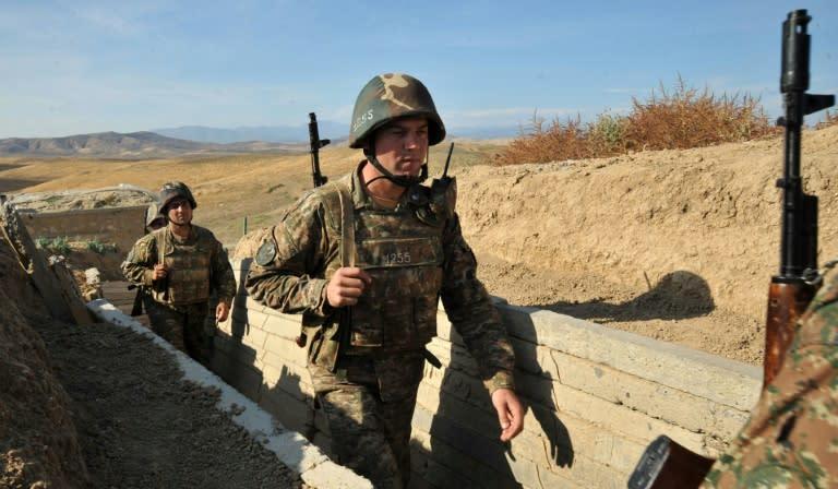 Azerbaijão e separatistas de Nagorno Karabakh anunciam cessar-fogo