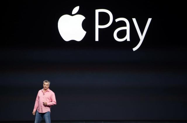 New York's busiest railways now accept Apple Pay