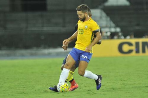 Diego tem lesão muscular confirmada e é cortado da Seleção Brasileira