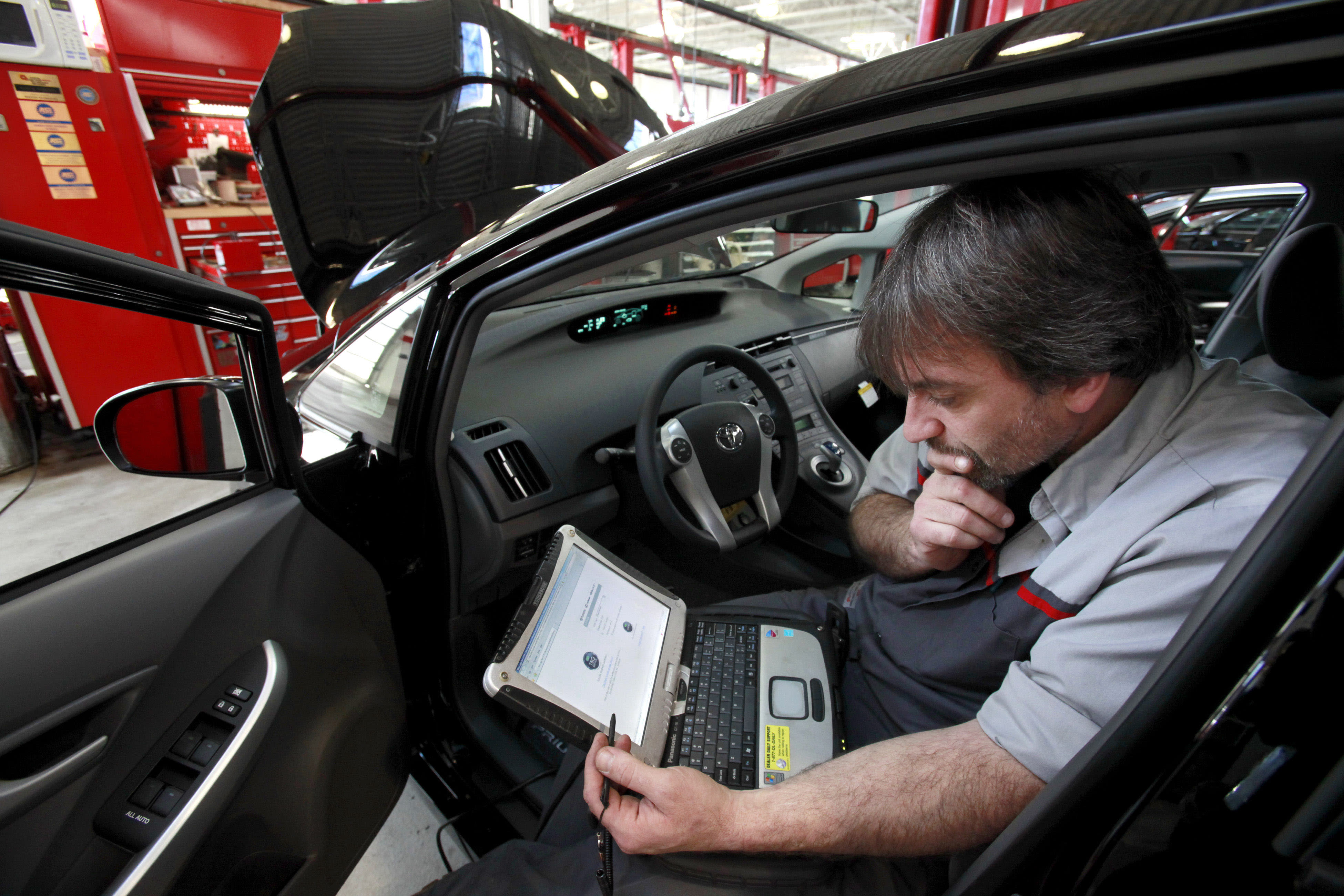 Car Pcm: Hackers Find Weaknesses In Car Computer Systems