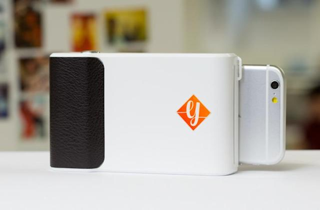 Prynt's smartphone instant selfie printer lands on Kickstarter for pre-orders