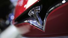 Elon Musk: Tesla needs to cut costs or it will run out of money in 10 months