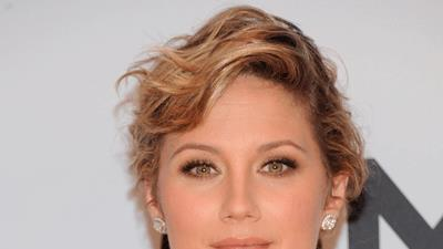Sugarland's Jennifer Nettles Exposes New Side
