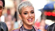 Katy Perry impresiona con un look metalizado de la cabeza a los pies