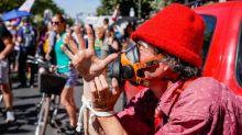 """""""Laissez nous respirer !"""" : les antimasques tentent d'organiser la contestation sur les réseaux sociaux"""