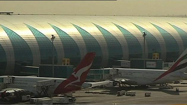 Qantas warns union over challenge