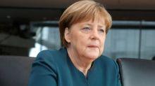 "Tremore Angela Merkel, in conferenza stampa assicura: ""Mi sento bene"""