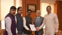 Shiv Sena MPs meet RBI governor Shaktikanta Das, request him to redress issues related to scam-hit PMC bank's customers