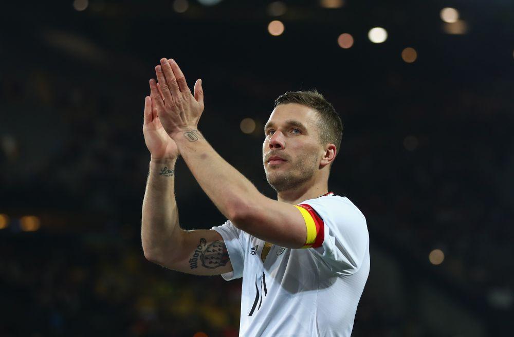 Auch aus Japan: Lukas Podolski stichelt gegen Gladbach