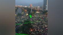 Punteros láser, el arma de los manifestantes chilenos contra los carabineros