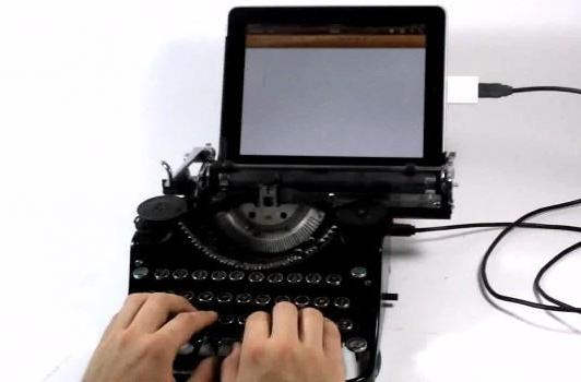 USB typewriter goes 'clackity clackity clack DING' (video)