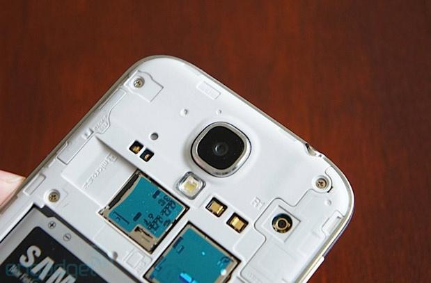 Galaxy S 4 software update enables moving apps to SD card, HDR video recording and more