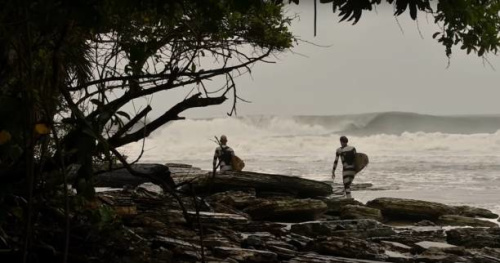 Surf - Lost in the Swell - «Lost in the Swell» au Gabon : du surf à risque pour l'épisode 10