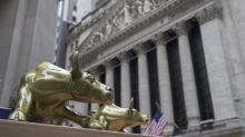 Bancos cierran en baja en Wall Street; tecnológicas suben