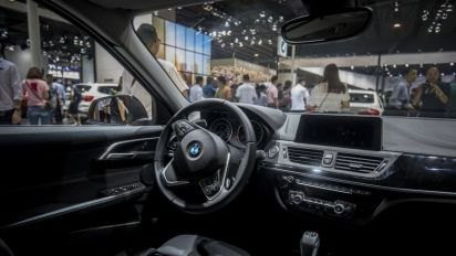 China to cut import duty on cars to 15%