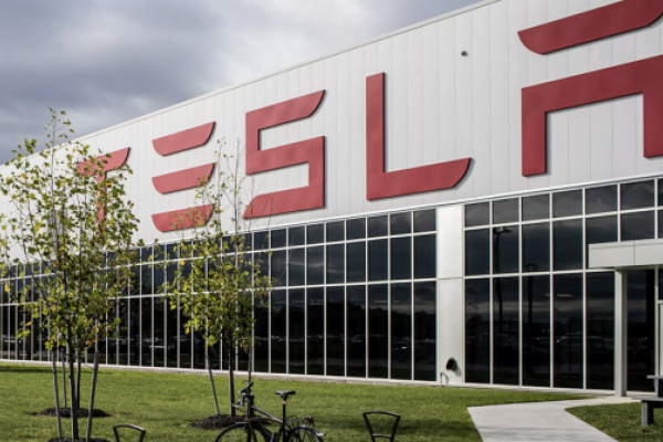 News post image: Tesla To Reopen New York Gigafactory To Make Ventilators For COVID-19 Patients