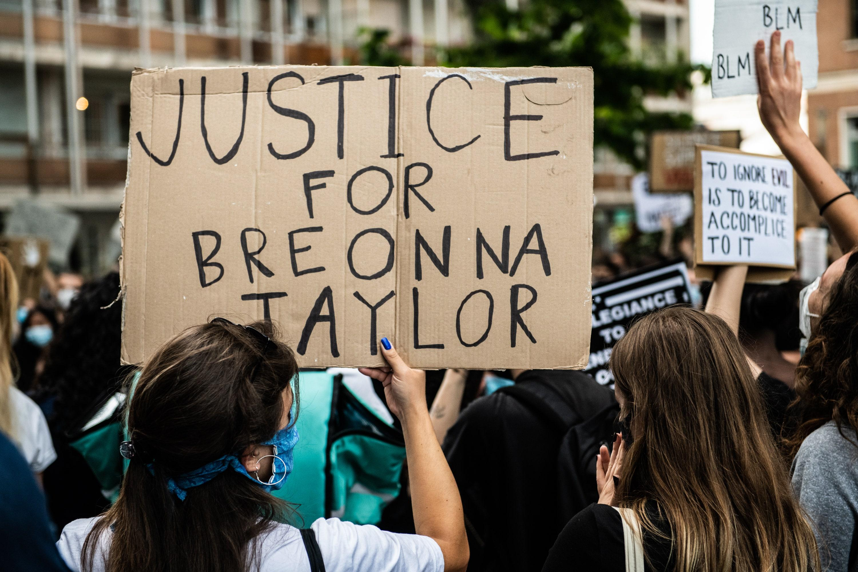 Breonna Taylor One Police Officer Involved In Her Killing Will Be Fired