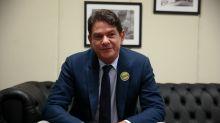 Senador Cid Gomes é baleado ao tentar invadir quartel no Ceará