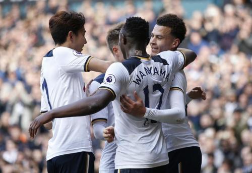 Tottenham met la pression sur Chelsea
