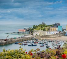 Travel latest news:Wales braced for half-term 'circuit-breaker' lockdown