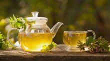 Thé blanc: la boisson qui prolonge la jeunesse à ajouter à sa routine beauté!