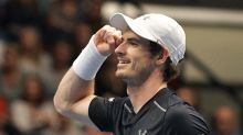 Murray wins Vienna title to close on No.1 spot