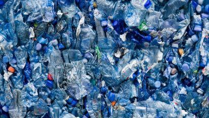 Una hambrienta enzima mutante podría solucionar el problema de reciclaje de plásticos
