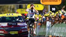 Suizo Hirschi logra primera victoria profesional en etapa 12 del Tour, Roglic sigue de amarillo