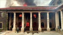 Città del Capo, un nomade provoca un incendio: salvate molte vite