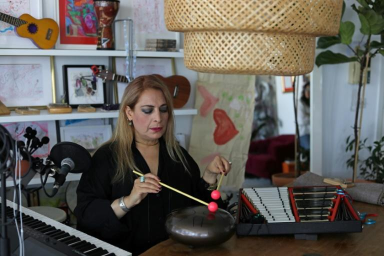 Cypriot singer Alexia Vassiliou will be restreaming a concert featuring refugees from around the world, put together under the auspices of the UNHCR