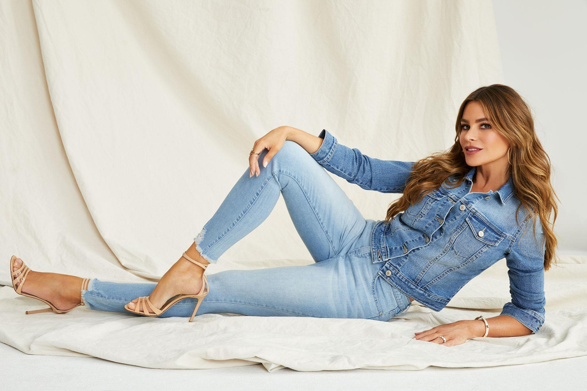 0aea3322ec703 Sofía Vergara Wants to See You in Her  22 Walmart Jeans  Shop Them Now!