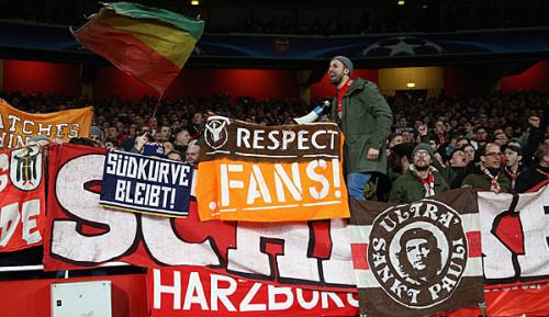 "Bundesliga: FCB-Ultras: ""Bei Schalke ist alles besser"""