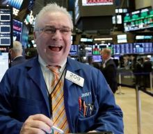 Stocks expected to climb higher on a US-China trade agreement: Moody's John Lonski