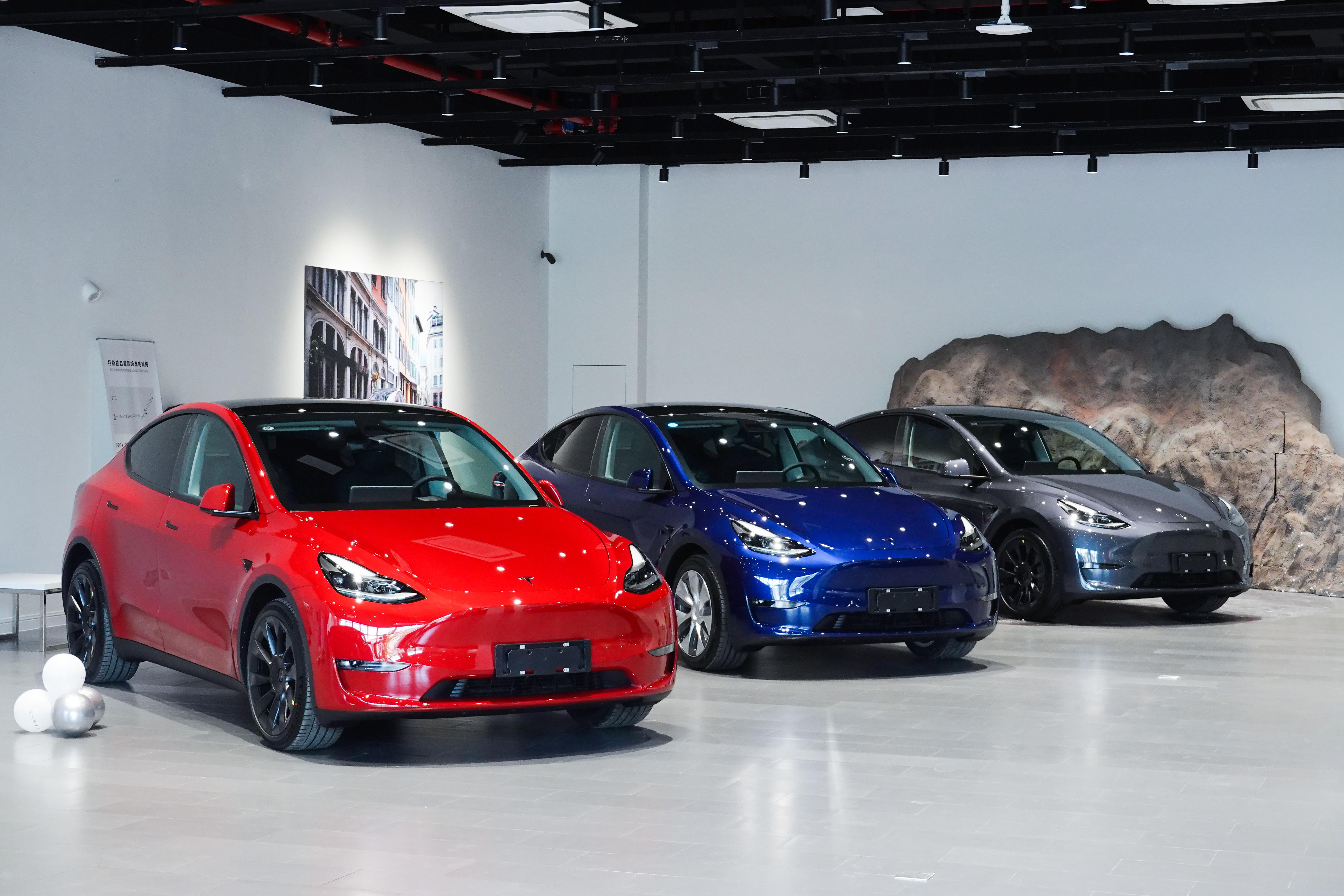 Tesla stops taking orders for the entry-level Model Y | Engadget - Engadget