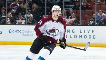 Avalanche flip Carl Soderberg to Coyotes for Kevin Connauton, pick