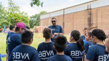 BBVA, Houston Dynamo hold soccer clinic at Tejano Center featuring Club América Legend Pavel Pardo & Dynamo Legend Arturo Alvarez