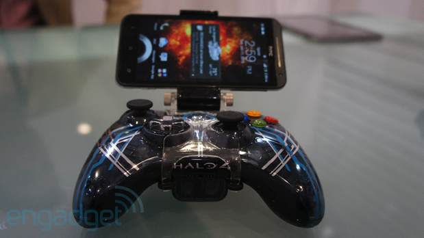 Nyko's Smart Clip brings the second screen to your controller (hands-on)