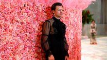 Harry Styles debuta con tacones y transparencias en la Gala Met