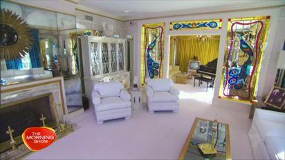 Inside Elvis Presley's Graceland home