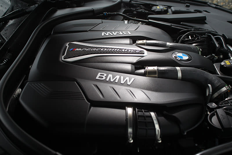 4.4升V8雙渦輪增壓汽油引擎不只能夠帶來462hp最大馬力,也能帶來66.3kg-m峰值扭力。