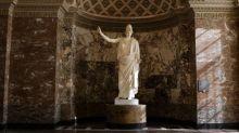 La Pallas de Velletri, un des joyaux du Louvre, retrouve sa blancheur éclatante après restauration