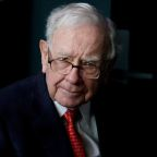 Berkshire invests in JPMorgan, Oracle as Buffett puts cash to work
