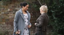 Meghan meets retired artists and entertainers at Royal Variety care home
