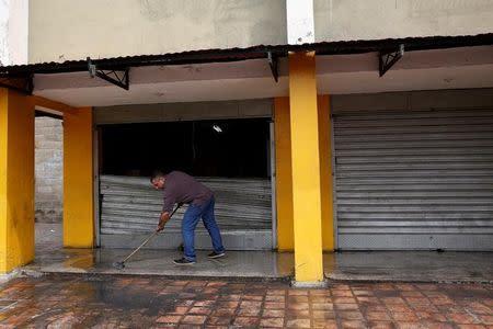Mueren doce personas en jornada de protestas y saqueos en Venezuela