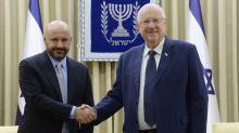 Libanese ersteigert Hitler-Besitz und übergibt ihn Israel