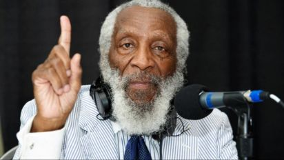 Celebs, politicians post tributes to Dick Gregory