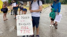 Parents call on Ontario government to ensure full-time learning in school this fall