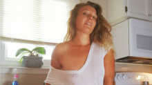 This curvy mom is still taking sexy selfies for money, and she's making $12K a month
