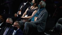 Bill Russell inducted into Basketball Hall of Fame as coach