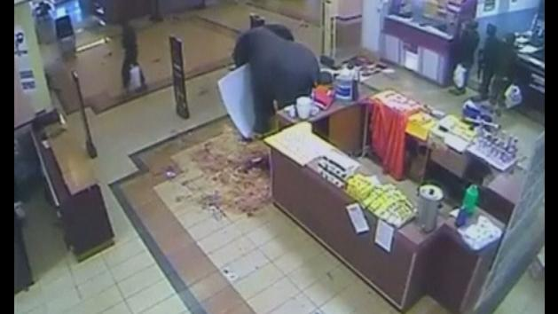 CCTV appears to show Kenyan soldiers looting Westgate mall